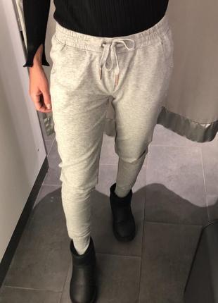 Серые меланжевые спортивные штаны треники джоггеры amisu есть размеры