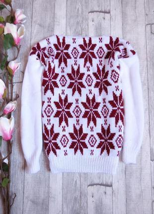Стильный теплый свитер hand made