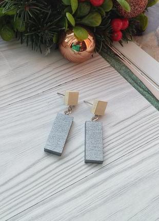 Ніжні дерев'яні сережки1