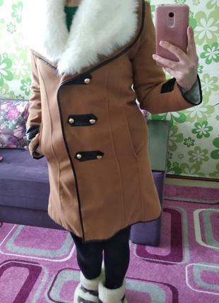 Оригінальне зимове пальто.2 фото