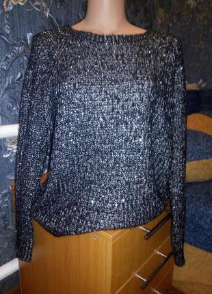 Черный свитер с паетками