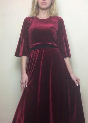 Супер модное платье цвет марсала велюр-бархат бордо