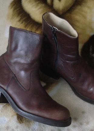 36-36,5 р./23,7 cм. фирменные демисезонные кожаные ботинки bianco