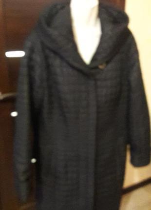 Пальто стеганое,синтепон черное с поясом.