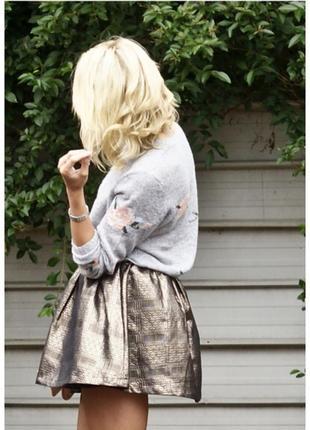 Золотистая пышная юбка