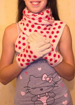 Шарф шерстяной в горох и перчатки молочный красный colins