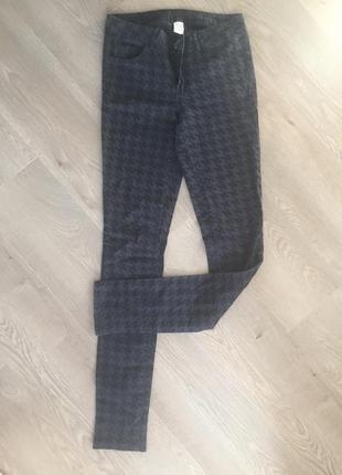 Узкие брюки vila