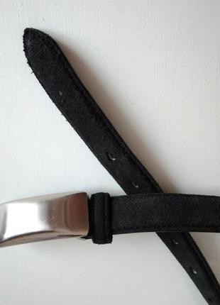 Темно-серый ремень из натуральной замши с серебристой пряжкой