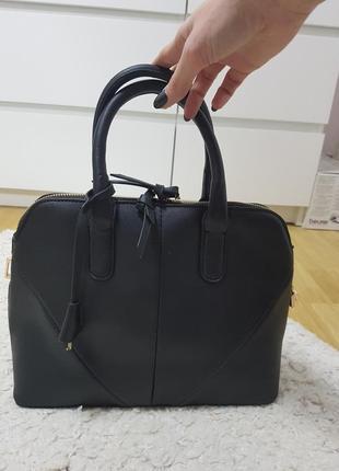 Стильная сумка из еко-кожи new look
