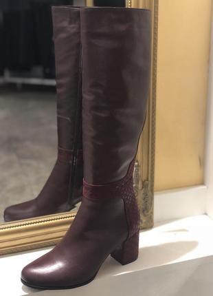 Бордовые демисезонные сапоги на небольшом (низком) каблуке с натуральной кожи