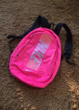Женский рюкзак nike