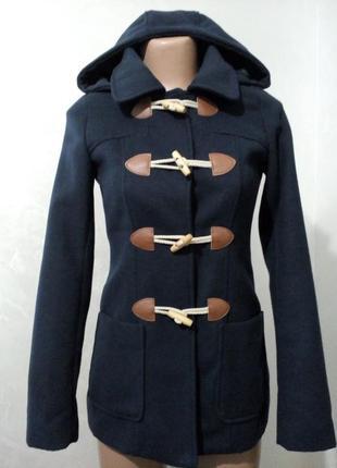 Шикарное пальто дафл, на деревянных пуговицах, тёмного синее с капюшоном atmosphere