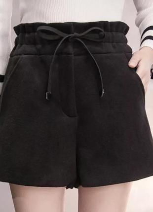 Тёплые шерстяные шорты чёрные высокая талия