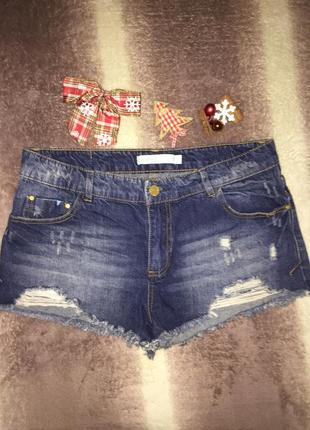 Нереально крутые джинсовые шорты m\l с потертостями 38\40 bershka