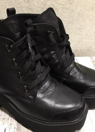 Кожанные ботинки зимнии