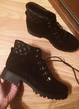 Крутые ботинки на шнуровке и кожаной вставкой 37р🔥🔥🔥