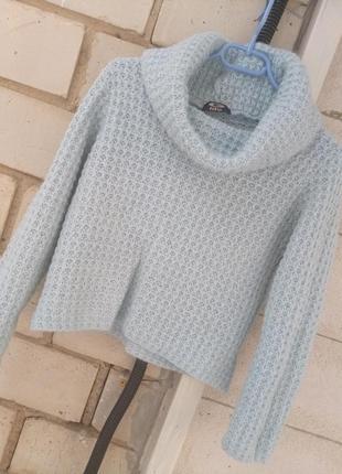 Шерстяной вязаный свитерок в небесно голубом цвете раз. s