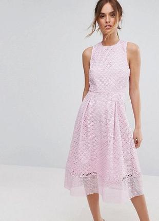 Кружевное платье миди с объемной юбкой и красивой спинкой warehouse