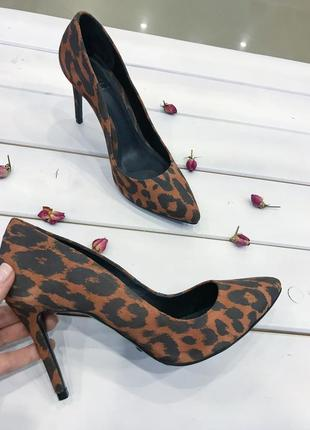 Schutz оригинал сша туфли лодочки замша леопардовые