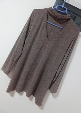 Крутой свитерок с вирезом на груди раз. xxl