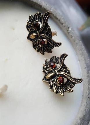 Серьги коричневые совы гвоздики кристаллы новые
