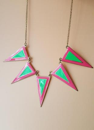 Розово-зеленое ожерелье на шею подвеска яркая с треугольниками