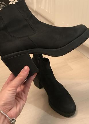 Шикарные актуальные кожаные ботинки полусапожки vagabond