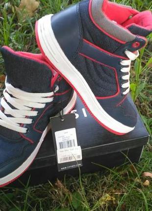 Сникерсы, хайтопы, высокие кроссовки. подростковые, осенние. tiffosi португалия бренд