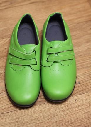 Оригинальные кожаные туфли, очень стильные 38-39 р-р германия