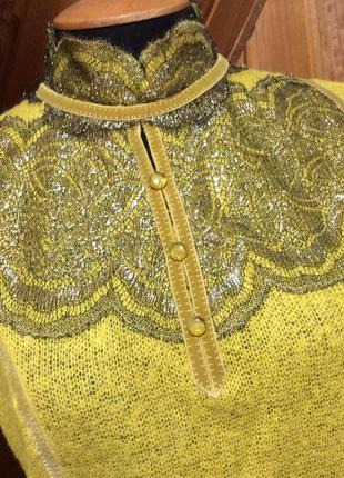Праздничная трикотажная блуза из мериносовой шерсти с кружевом
