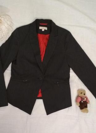Классический серый пиджак от she