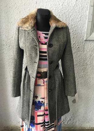 Женское пальто зимнее с мехом