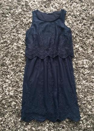 Платье миди кружевное