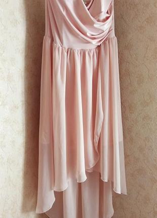 Персиковое шифоновое платье