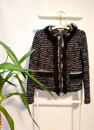 Элегантный теплый пиджак в стиле шанель s