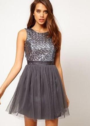 Шикарное платье с паетками и шифоновой юбкой lipsy london