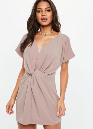 Платье с узлом