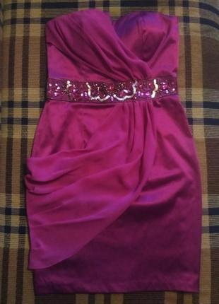 Элегантное вечернее платье бюстье по фигуре, миди, отделка из страз и бусин, цвет баклажан