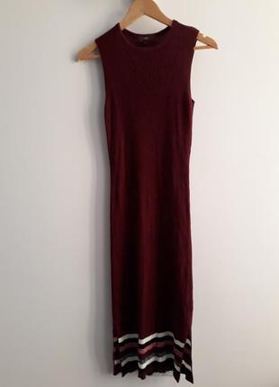 Красивое миди трикотажное вязаное платье цвет марсала