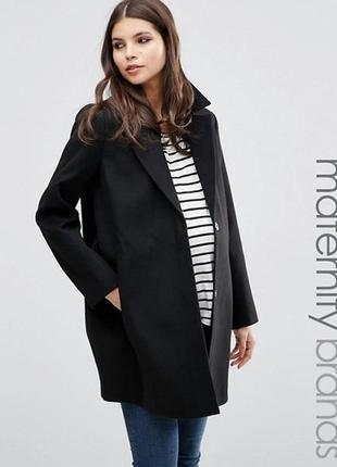 Оригинальное пальто из фактурного полиестера