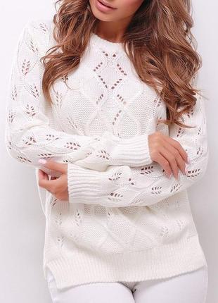 Женский вязаный однотонный свитер прямого силуэта (141 mrss)