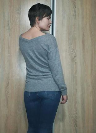 Суперский шерстяной серый свитер с красивыми вырезами италия5 фото