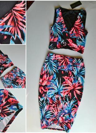 Новый  яркий костюм в цветы,топ и юбка1