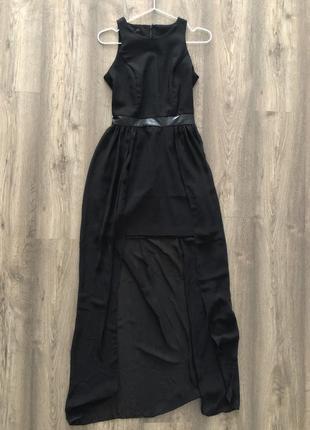 Чёрное платье с удлиненным шлейфом odji