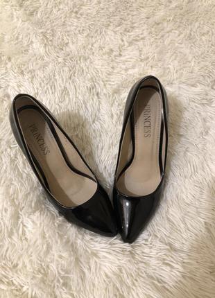 Туфли лодочки лаковые натуральная кожа