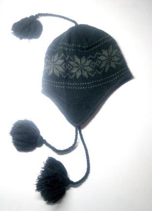 Зимняя вязаная шапка на флисовой подкладке