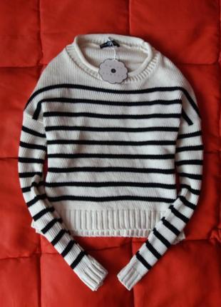 Крутой оверсайз полосатый свитер с опущенным плечевым швом