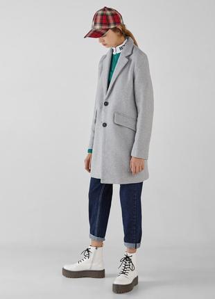 Скидка на новое пальто bershka