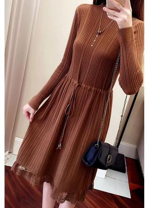 Распродажа! трикотажное платье с кружевом