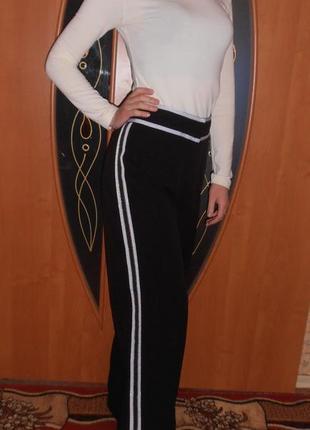 Классические, стильные модные брюки  с лампасами!